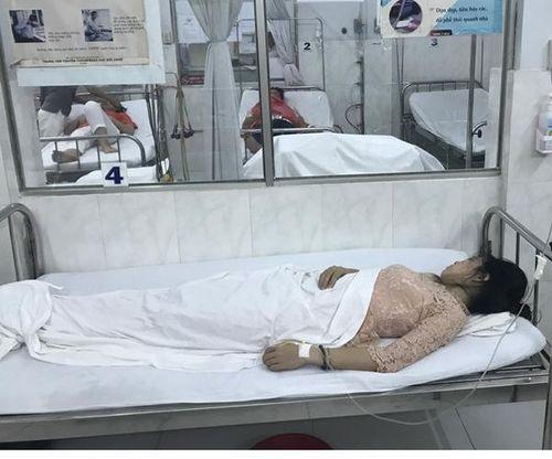 Dự tiệc mừng ngày 20/11, 10 giáo viên phải nhập viện cấp cứu