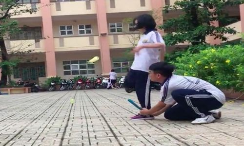 Cô gái 'dành cả thanh xuân' để vượt qua môn thể chất