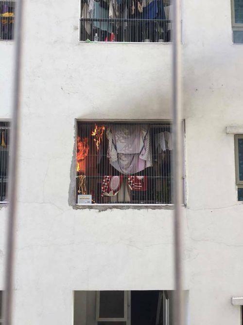 Cháy căn hộ tầng 31 chung cư Linh Đàm, hàng trăm cư dân sơ tán