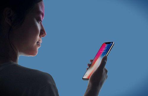Cảnh sát Mỹ được khuyến cáo tránh nhìn màn hình iPhone bị khóa bằng Face ID