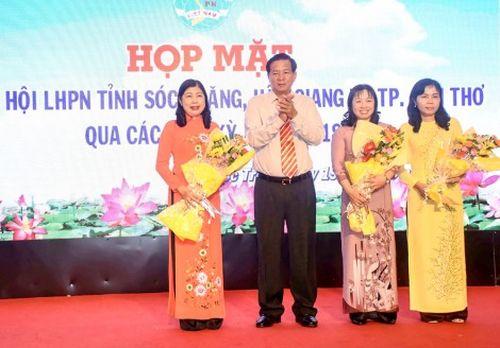 Họp mặt truyền thống Hội Liên hiệp Phụ nữ tỉnh Sóc Trăng, Hậu Giang và TP Cần Thơ