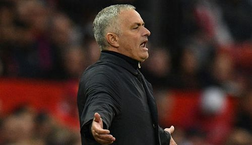Jose Mourinho nặng nề