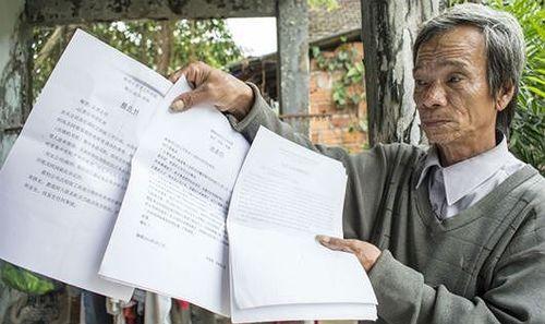 Lão nông 4 năm chống tiêu cực cao tốc: 'Làm không phải chờ ngày được khen thưởng'