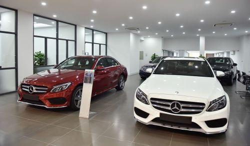 Chống đẩy hơn 4.000 cái, cậu bé được tặng Mercedes