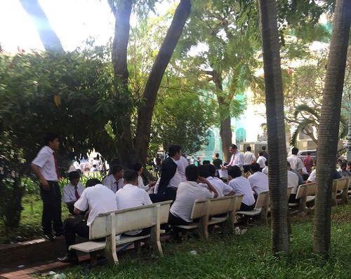Hàng trăm tài xế VinaSun lại đến tòa dự 'đại chiến' với Grab