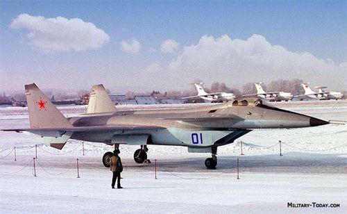 F-22 đánh bại máy bay thế hệ 5 đầu tiên của Nga như thế nào?