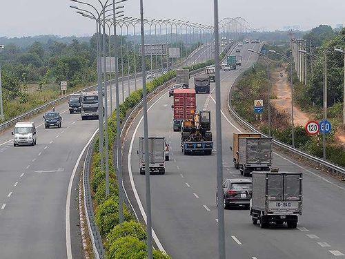 VEC E phải tự rút thông báo từ chối phục vụ 2 xe trên cao tốc