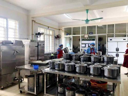 Phòng chống thực phẩm bẩn lọt vào bếp ăn trường học: Khuyến khích phụ huynh tham gia giám sát