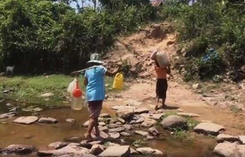 Người dân A Xing thiếu nước sạch