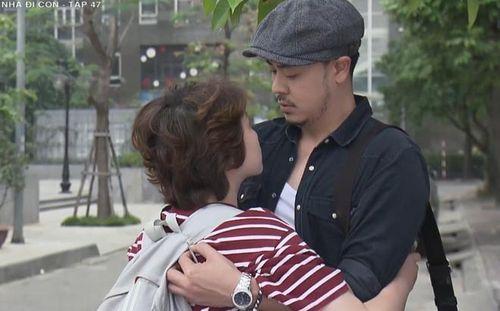 Đạo diễn 'Về nhà đi con' lý giải tình huống để Dương si mê ông Quốc