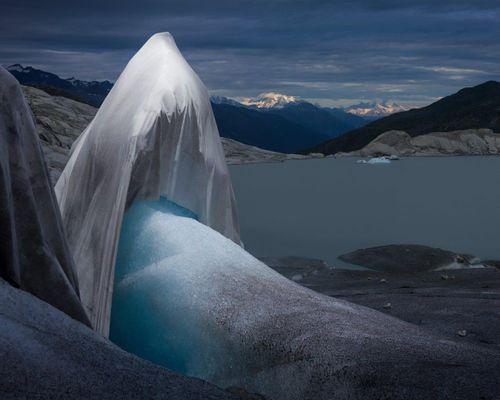 'Áo choàng băng tử thần' và nỗi ám ảnh về biến đổi khí hậu