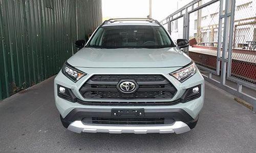 Toyota RAV4 2019 bất ngờ về Việt Nam, bán hơn 2,3 tỷ