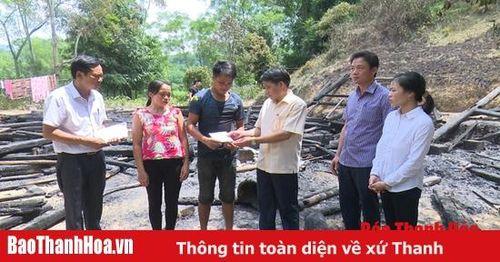 Thăm hỏi động viên gia đình bị cháy nhà tại xã Giao Thiện (Lang Chánh)