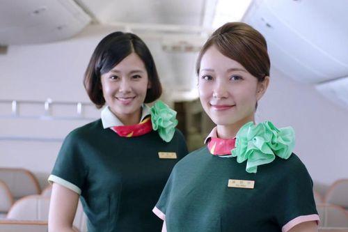 Eva Air lại bay từ Tân Sơn Nhất sau loạt chuyến bị hủy vì tiếp viên
