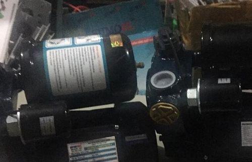 Thu giữ gần 500 chiếc máy bơm giả mạo xuất xứ 'Made in Vietnam'