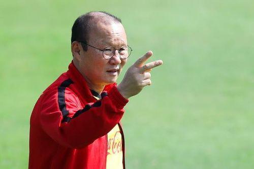 Tuyển Việt Nam và U23 cùng hội quân trước trận gặp Thái Lan