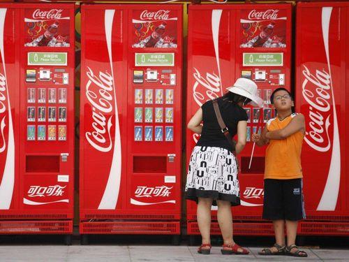 Vì sao Coca-Cola được bán trên khắp thế giới trừ hai quốc gia này?