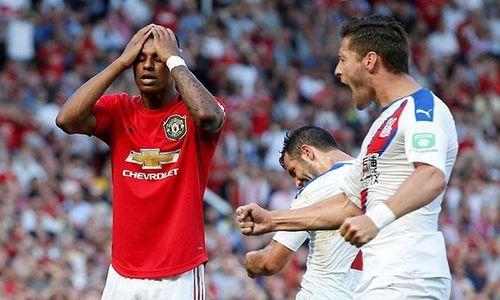 Man United thua muối mặt 1-2 trước Crystal Palace trên sân nhà
