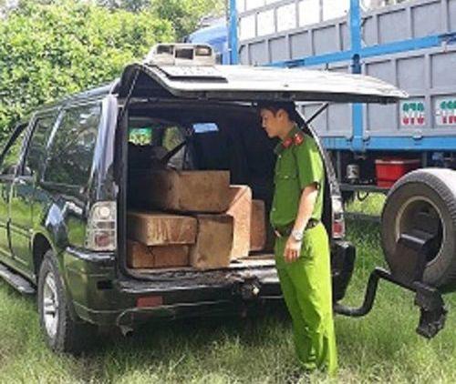 Quảng Nam: Phát hiện vận chuyển gỗ lậu và khai thác cát trái phép