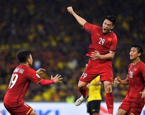 ĐT Việt Nam: Nên hay không tạo cơ hội 'gọi lên tuyển' cầu thủ nhập tịch?