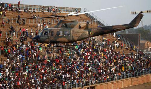 Ghế trống đầy sân vận động trong tang lễ cựu tổng thống Zimbabwe