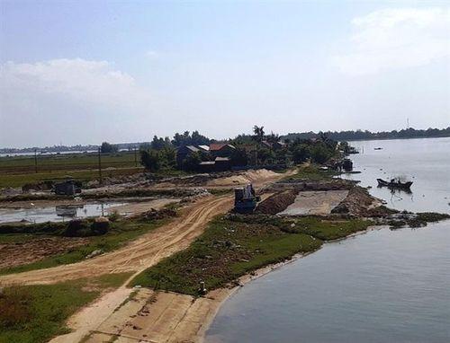 Thừa Thiên - Huế: Chính quyền địa phương bất lực hay đang 'ngó lơ' cho bãi cát lậu?