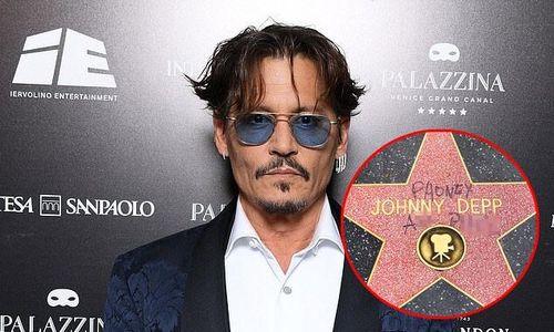 Ngôi sao của Johnny Depp trên Đại lộ Danh vọng bị bôi bẩn