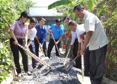 Khánh thành tuyến hẻm giao thông nông thôn tại huyện Bình Chánh