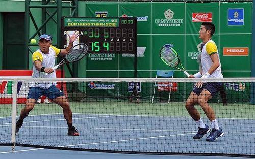 Chủ nhà TP Hồ Chí Minh 'thâu tóm' ba danh hiệu vô địch