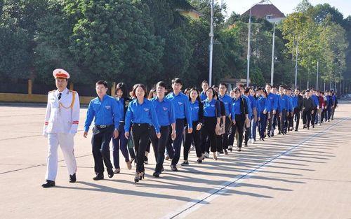 Đoàn thanh niên Bộ Lao động - Thương binh và Xã hội tưởng nhớ Chủ tịch Hồ Chí Minh
