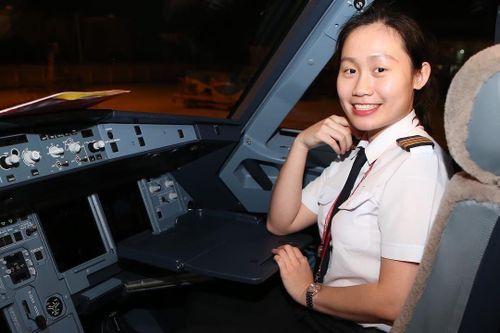 Bóng hồng 9X và hành trình trở thành phi công ở tuổi 20