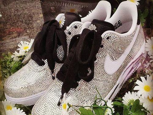 Những mẫu giày do G-Dragon thiết kế không thể mua được bằng tiền