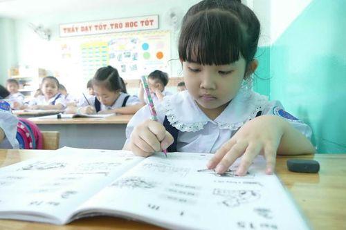 16 triệu USD để biên soạn sách giáo khoa vẫn trong tài khoản của World Bank