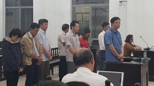 'Dàn' cán bộ đi tù vì chống hạn trên… giấy