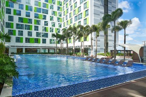 Khách sạn Holiday Inn & Suites đầu tiên tại Việt Nam đạt chứng nhận 5 sao