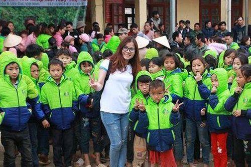 Lisa Nguyễn: 'Cô tiên' và tấm lòng với trẻ bị bạo bệnh