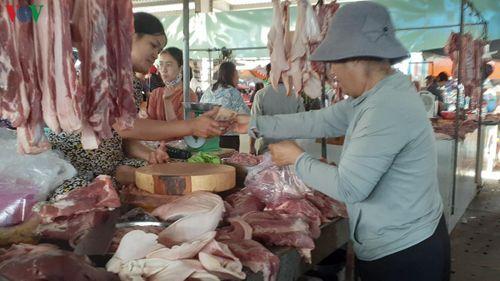 Giá thịt lợn giảm xuống dưới 80.000 đồng/kg khi nguồn cung tăng lên