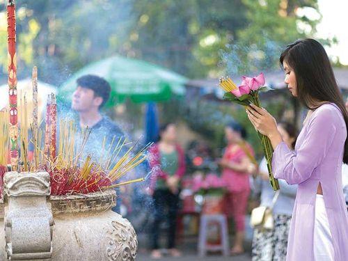 Người Sài Gòn đi lễ mùa xuân