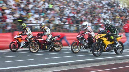 Hơn 40 tay đua xe mô tô cả nước về Cần Thơ tham gia giải đua chiều 4 Tết