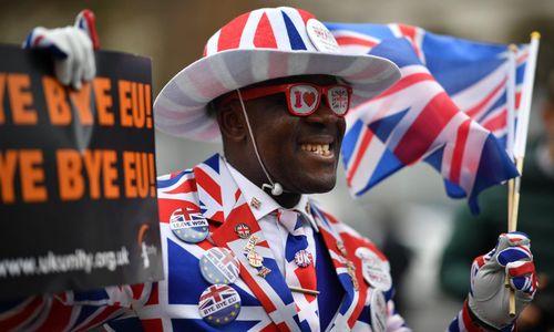 'Canh bạc lớn nhất cả thế hệ' - vui buồn lẫn lộn ở Anh khi rời EU