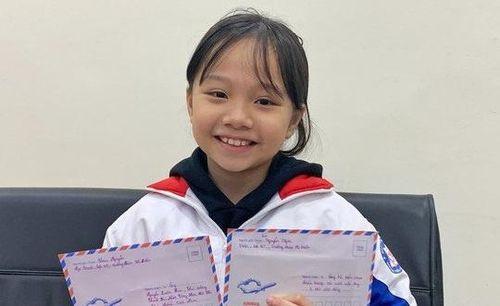 Bé gái viết thư cho Thủ tướng, phát khẩu trang miễn phí tại bến xe