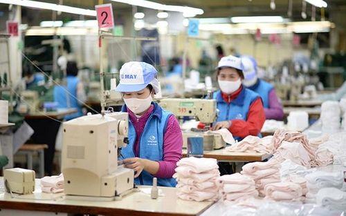 Nỗ lực sản xuất vật tư chống dịch