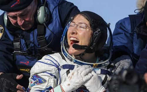 Nữ phi hành gia Mỹ phá kỷ lục ở liên tục trong vũ trụ lâu nhất