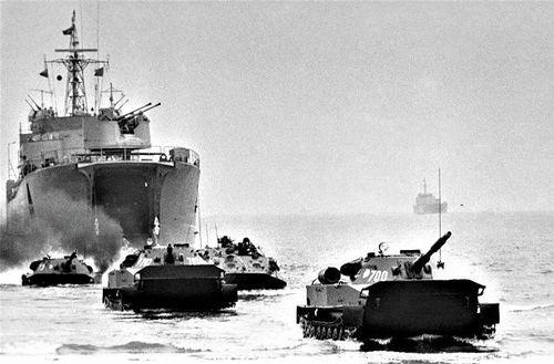 Giải mật: Quân đội Liên Xô từng huấn luyện đánh chiếm Tây Berlin