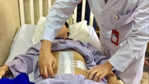 Đi thẩm mỹ viện đánh tan mỡ bụng, người đàn ông sốc khi phát hiện đó là khối u 7kg