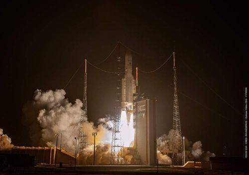 Hàn Quốc phóng thành công vệ tinh quỹ đạo địa tĩnh đầu tiên