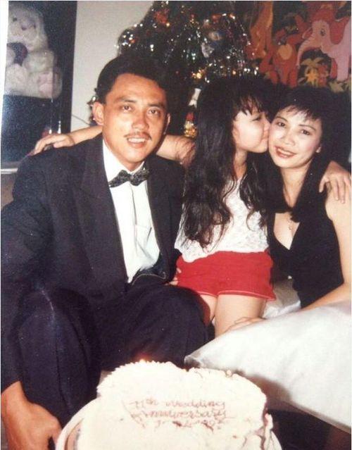 Sao Việt ngày 21/2: Mẹ ruột ca sĩ Tóc Tiên không xuất hiện trong đám cưới của con gái