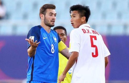 Cầu thủ hạ gục Juventus từng đối đầu Văn Hậu