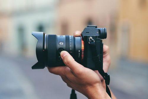 Sony ra mắt ống góc rộng FE 20mm F1.8G, giá 900 USD
