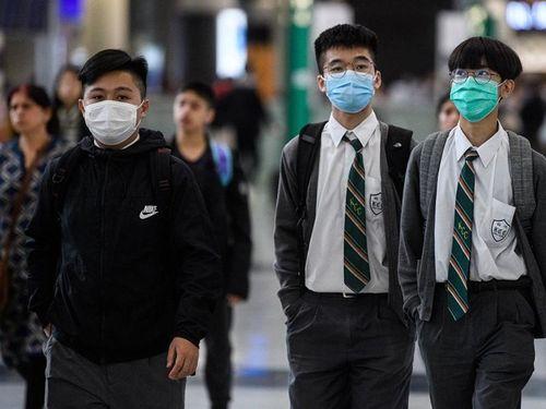 Dịch COVID-19: Phụ huynh châu Á khổ sở vì trường đóng cửa